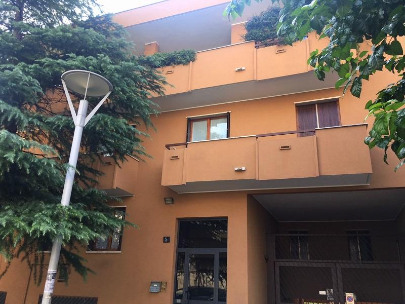 Monza MB,Via Sempione 5,2 Stanze Stanze,1 BagnoBagni,Ufficio,MB,1053